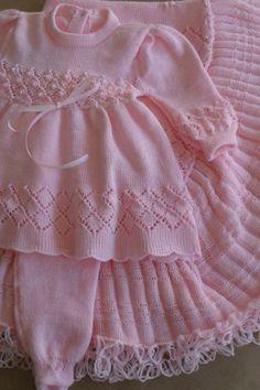 Monte Sião Kids - All Models - Crochet Set - Örgü modelleri - Baby Knitting Patterns, Ladies Cardigan Knitting Patterns, Baby Girl Patterns, Baby Cardigan Knitting Pattern, Knitted Baby Cardigan, Knitting For Kids, Knitting Designs, Knit Baby Dress, Baby Sweaters