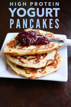 Healthy pancakes recipe perfect for breakfast! These high protein, low carb pancakes are tasty and filling! (Pancake Easy Yogurt)