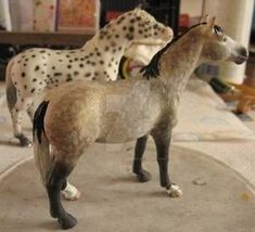 Schleich Horses Stable, Horse Stables, Horse Barns, Cute Horses, Pretty Horses, Anime Puppy, Bryer Horses, Horse Girl Photography, Appaloosa Horses