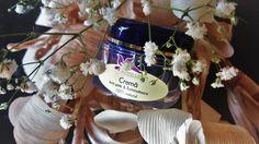 Crema Anti-Pete & Iluminatoare ~50 ml  Crema combina acţiunea extrasului Ayurvedic de Punarnava cu extractul concentrat de Zada Siberiana ingredient activ natural. Acest complex concentrat are efect antioxidant puternic, reduce petele pigmentare, unifică și restabilește strălucirea tenului, crește sinteza de colagen, este un excelent ingredient global anti-îmbătrânire activ cu o eficacitate dovedită, care se va potrivi in toate tipurile de ten.