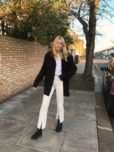 Le Fashion: 9 Incredibly Cool Ways to Wear Split-Front Jeans or Pants Punk Outfits, Stylish Outfits, Fashion Outfits, Womens Fashion, Pretty Outfits, Winter Outfits, Winter Clothes, Pakistani Fashion Casual, Look Blazer