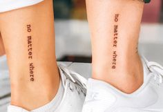 You know the tattoo sisters? Know that this can be a great option to immortalize the love of two people. Check it out! Group Tattoos, Ems Tattoos, Bone Tattoos, Tattoos For Lovers, Feather Tattoos, Friend Tattoos, Tattoo Soeur, Coordinates Tattoo, Art Couple