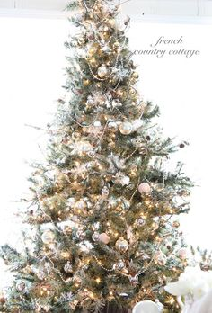FRENCH COUNTRY COTTAGE: Silver & Gold Christmas Tree