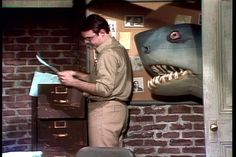 Shark attacks Saturday Night Live in Jimmy Fallon Snl, Kenny Powers, All Sharks, Shark Jaws, You Make Me Laugh, Shark Week, Saturday Night Live, Old Tv, The Victim