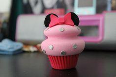 minnie mouse cupcake!