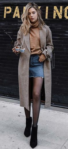 18 Classy Winter Outfit Inspirations To Wear This Season! 18 Classy Winter Outfit Inspirations To Wear This Season! Fashion Moda, Look Fashion, Trendy Fashion, Autumn Fashion, Fashion Outfits, Womens Fashion, Street Fashion, Skirt Fashion, Jeans Fashion