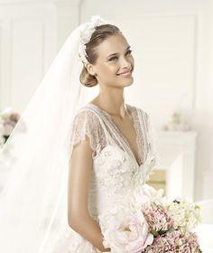 Pronovias vous présente la robe de mariée Denisse. Elie by Elie Saab 2013. | Pronovias