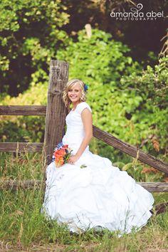 Summer Bridals | Bride | Utah Wedding Photographer |  Amanda Abel Photography | www.amandaabelphoto.com #bridalphotography