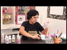Alciana Rossi ensina a fazer um trabalho no vidro com produtos Glitter