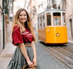 Zarażam uśmiechem! Mieliście okazję przeczytać mój mini przewodnik po Lizbonie na blogu? Jeśli nie to koniecznie zapraszam Fot. @paulinaszypula  #sunday #lisboa #smile #blonde #polskadziewczyna #manifiqgirls #cute #love #lisbon