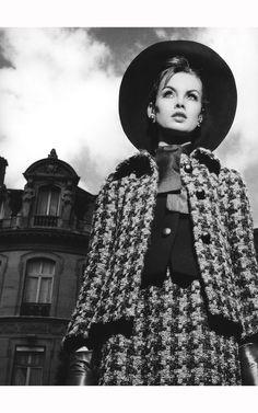 jean-shrimpton-mexico-suit-by-marc-bohan-for-dior-autumnwinter-collection-1965-paris-july-1965-c2a9-richard-avedon.jpg (1425×2280)