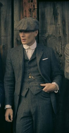 Wool woven flat cap, similar to as worn by the character Thomas Shelby in Peaky . Wool woven flat cap, similar to as worn by the character Thomas Shelby in Peaky Blinders. Peaky Blinders Suit, Peaky Blinders Thomas, Cillian Murphy Peaky Blinders, Peaky Blinders Costume, Der Gentleman, Gentleman Style, Tweed Suits, Mens Suits, Estilo Gangster