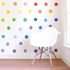 Turn your nursery into a color palette with these large watercolor rainbow wall decals. Rainbow polka dot wall decals add a playful and beautiful style. Room Ideias, Rainbow Bedroom, Rainbow Room Kids, Rainbow House, Rainbow Nursery Decor, Bright Nursery, Gray Painted Walls, Deco Studio, Kids Wall Decor