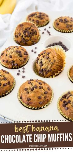 The perfect back to school food idea to make for breakfast or snack! This is the best Best Banana Chocolate Chip Muffins made with just a few ingredients and ready in less than 30 minutes. It will be the most requested banana bread recipe by the kids! Plus it can be easily adaptable to fit your diet! Easy Breakfast Muffins, Breakfast Recipes, Dinner Recipes, Dessert Recipes, Desserts, Simple Muffin Recipe, Muffin Tin Recipes, Pastry Recipes, Healthy Banana Recipes