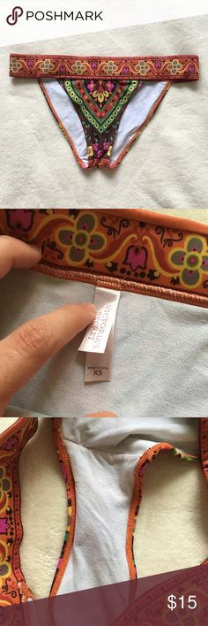 EUC VS bikini bottom Super cute! Size XS but would definitely fit a small as well! Super comfy thick band. Pretty pattern and no flaws!   Make sure to check out all of my other listings if you'd like to bundle!   Any questions just ask! Multiple items get big discounts! ❌NO TRADES❌  Smoke free but pet friendly! (There might be some stray cat hair even though I always lint roll before sending things out!) Victoria's Secret Swim Bikinis