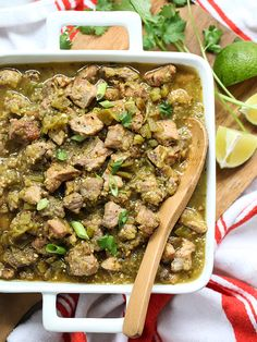 50 Fabulous Hatch Chile Recipes Slow-Cooker Hatch Green Chile Verde – plus 49 more fabulous Hatch Chile Recipes! Green Chili Pork, Green Chili Recipes, Chili Chili, Hatch Chili, Hatch Green Chiles, Green Chilli, Crock Pot Slow Cooker, Slow Cooker Recipes, Cooking Recipes