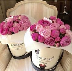 Elegant hat boxes filled with pink peonies ~♡~