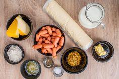 Párky vtěstíčku sdomácím sýrovým dipem - Proženy Mini Four, Fresh Rolls, Dip, Pizza, Cooking Recipes, Cheese, Snacks, Ethnic Recipes, Food