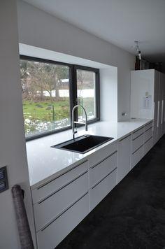 Montage Küchenarbeitsplatte 17 - New Ideas - Kitchen Small Bathroom Decor, Kitchen Remodel Small, Luxury Kitchens, Small Kitchen, Home Decor Kitchen, Kitchen Interior, Interior Design Kitchen, Kitchen Window Design, Modern Kitchen Design