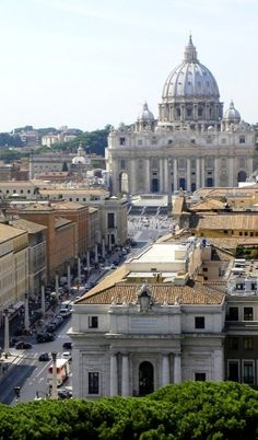 Panoramic views of Rome, Italy I'm not even religious, but when the Pope arrived, I was somehow, moved.