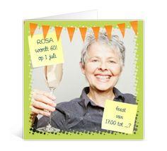 Vierkante gevouwen kaart met foto als uitnodiging voor 60ste verjaardag
