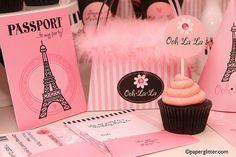 Paris theme  Esse cupcake não é a coisa mais linda do mundo??? :D