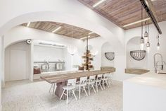Kitchens that Double As Dining Rooms: Architectural Design Inspiration,© Monika Nguyen