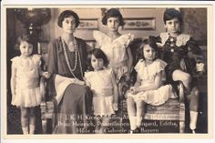 Lovely Crown Princess Antonia of Bavaria - Pss Luxemburg - with children - RARE