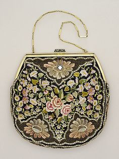 1930s handbag for an evening out