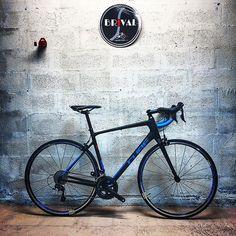 Vélo Cube ATTAIN GTC RACE (2017) 1499 au lieu de 1999 Découvrez le plus en détail sur notre site internet ou au magasin. #velobrival #velo #bikeporn #bike #cubebike #promotion #soldes #limousin #correzegram #tulle