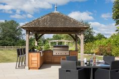 Handcrafted using traditional joinery techniques this outdoor Markham kitchen is ideal for entertaining friends and family on a warm summer weekend. #humphreymunson