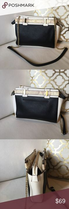 🎀Ann Taylor Leather Crossbody Bag Leather 🎀 Ann Taylor Leather Crossbody Bag Mini Python-Embossed & Leather in perfect condition like new check pics a sign of wear as shown in the last pic 016576879 Ann Taylor Bags Crossbody Bags