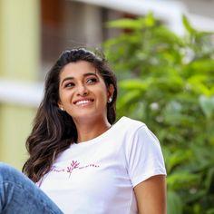 Actress Priya Bhavani Shankar Cute Photoshoot Stills Actress Priya, Tamil Actress, Bollywood Actress, Priya Bhavani Shankar, Indian Girls Images, Latest Instagram, Actor Photo, Latest Images, Power Girl