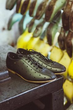 2ab617fb Mamnick leather cycling shoes made in Derbyshire Cycling Gear, Cycling  Outfit, Cycling Shoes,