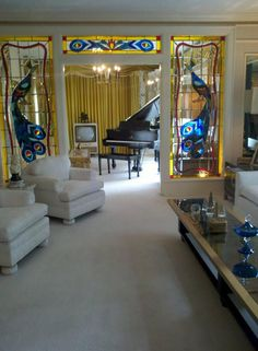 <3 <3 <3Elvis Presley's living room & piano room. I was there #Graceland