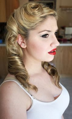 5 minute hairstyles for short hair : images about 40s hairstyles on Pinterest Romantic Wedding Hairstyles ...