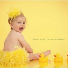 Easter Pic idea-- Rubber ducks instead of chicks or bunnies!! So cute!