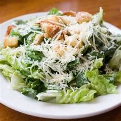 One of the best fresh garlic recipes around, this original Caesar salad recipe is delicious and creamy. Make real caesar salad at home. Cesar Salat, Homemade Caesar Salad Dressing, Cesar Salad Dressing Recipe, Homemade Ceasar Salad, Homemade Ceasar Dressing, Cesar Dressing, Cooking Recipes, Sauces, Healthy Foods
