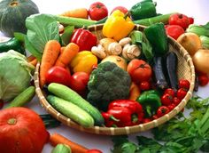 Groente  kalender   In deze groentekalender staat per maand opgesomd welke seizoensgroenten er zijn.