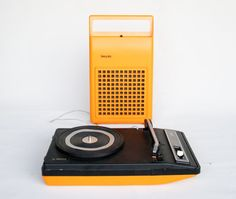 Vintage Record Player / Portable Phillips 133 / Retro Space Age 70's Vinyl Player / Pop Yellow Orange