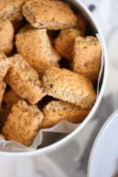 An easy and delicious South African All Bran Rusks recipe that used easy accessable pantry ingredients to deliver a delicious bran rusk. All Bran Flakes, Rusk Recipe, Tray Bakes, Vegetarian, Snacks, Baking, Vegetables, Breakfast, Ethnic Recipes