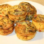 MINI OMLETE CU ARDEI, CEAPA SI CIUPERCI Healthy Meals For Kids, Easy Meals, Healthy Recipes, Muffin Tin Recipes, Baby Food Recipes, Omlete, Stuffed Mushrooms, Brunch, Food And Drink