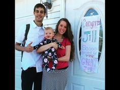 Jill Duggar Dillard and the Duggar family say she is a Certified Professional Midwife (CPM), but a prominent obstetrician gynecologist calls her a counterfeit. John David Duggar, Duggar Girls, The Dillards, Derick Dillard, Jill Duggar, Jeremy Vuolo, Dugger Family, Bates Family, 19 Kids And Counting