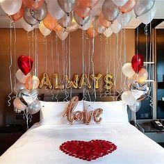 Romantic Room Decoration, Romantic Bedroom Decor, Decoration Bedroom, Birthday Balloon Decorations, Valentines Day Decorations, Romantic Room Surprise, Romantic Hotel Rooms, Confetti Balloons, Surprise Birthday