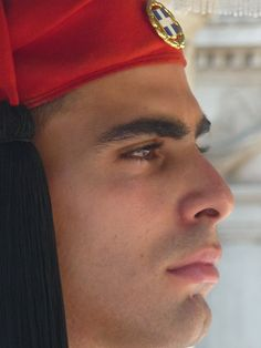 Evzone, ( Greek : Εύζωνας ) Member of the Greek Presidential Guard, which guards the Memorial of the Unknown Soldier in the city of Athens. Mykonos, Beautiful Men, Beautiful People, Greek Men, Greek Life, Greek Culture, Exotic Beauties, Athens Greece, People Of The World