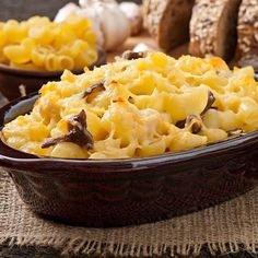 This white mac-and-cheese bake is creamy and gooey, a tasty way to change up your usual macaroni! Enjoy this baked pasta casserole, and add your favorite veggies or protein to make it your own! Crock Pot Recipes, Beef Recipes, Creamy Macaroni And Cheese, Baked Macaroni, Macaroni Recipes, Mac Cheese, Crockpot, Butternut Squash Mac And Cheese, Vegan Recipes