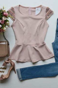 outfits with bralettes Pretty Outfits, Cool Outfits, Summer Outfits, Casual Outfits, Classy Casual, Casual Looks, Blouse Styles, Blouse Designs, Stylish Dresses For Girls