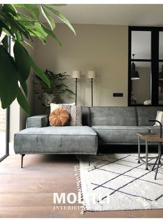 Room Inspiration, Interior Inspiration, Romantic Room, Sofa, Couch, Living Room Interior, Home And Living, Interior Styling, Sweet Home