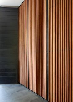 These would make amazing cupboard doors. Image from Gower St Residence - Colombo, Sri Lanka Kerry Hill Architects. Timber Screens, Timber Slats, Timber Panelling, Timber Door, Timber Cladding, Wall Cladding, Wood Paneling, Wall Panelling, Bedroom Cupboard Doors