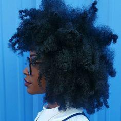 See this Instagram photo by @ab.k_ • Afro hair. Kinky hair. Natural hair. Fluffy hair. Afro-textured hair. Healthy hair. Beautiful hair. Pretty hair. Big hair. 4a hair. 4b hair. Afro textures.